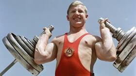 وفاة كورينتسوف البطل الأولمبي السوفيتي في رفع الأثقال