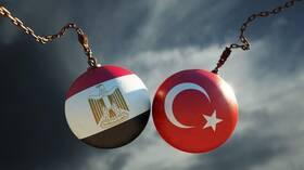 مصر تعلق محادثات تطبيع العلاقات مع تركيا حتى إشعار آخر