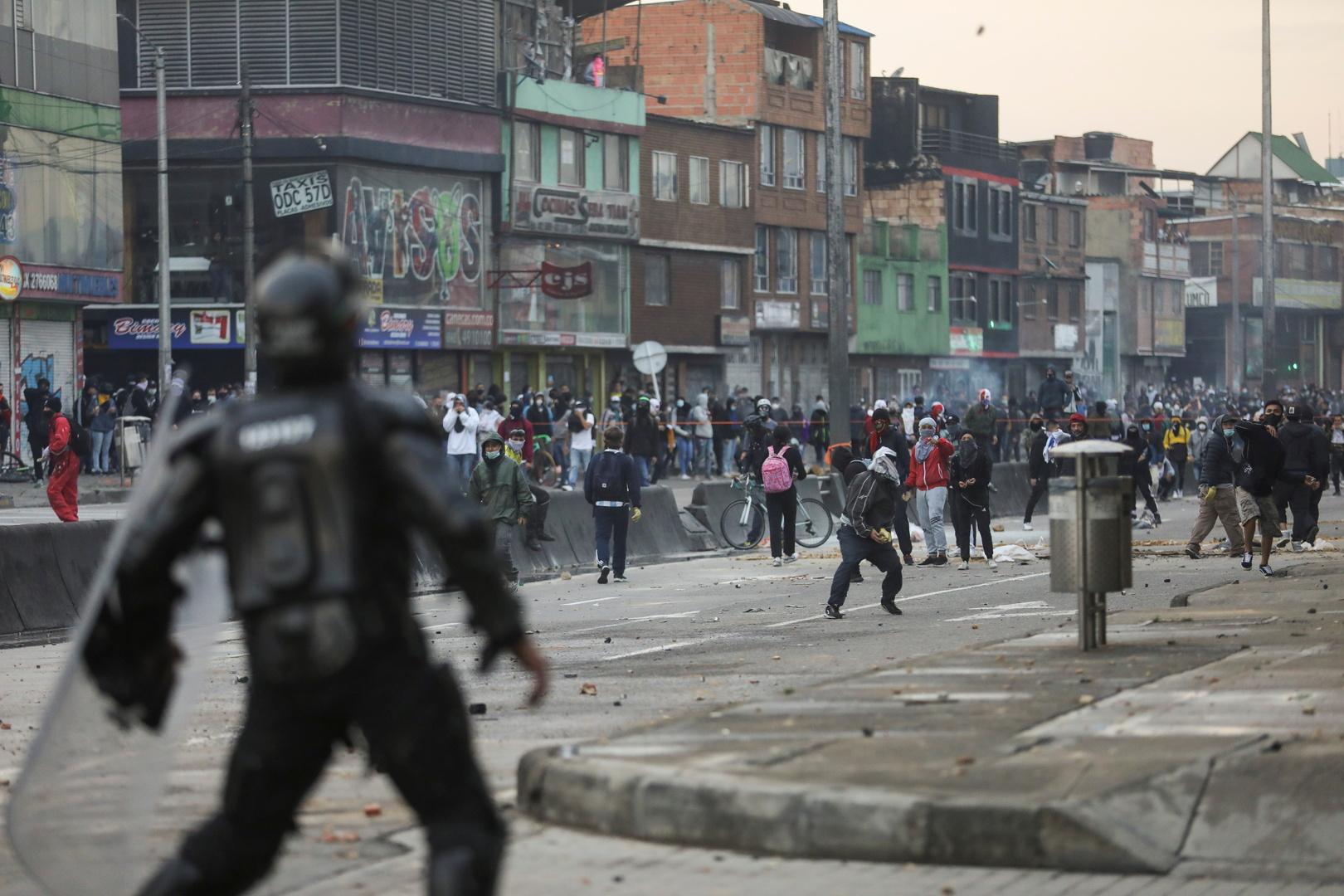كولومبيا.. إصابة أكثر من 200 شرطي في اشتباكات مع المحتجين