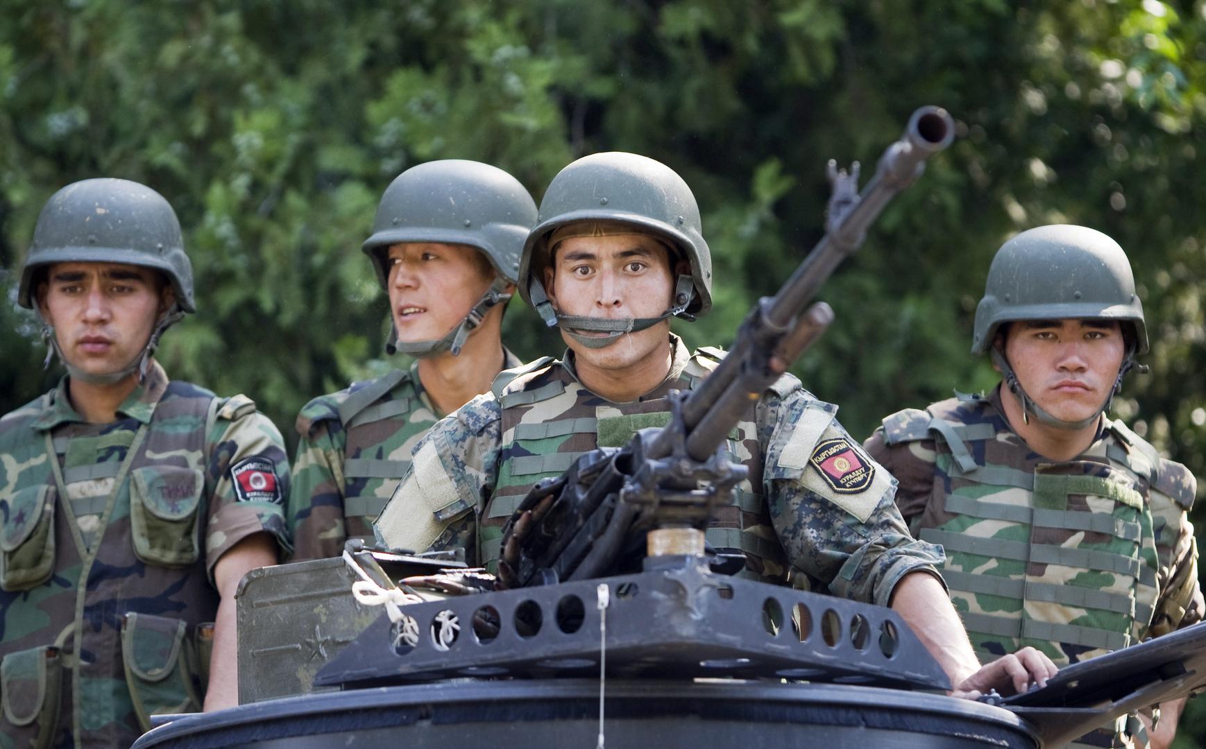قرغيزيا تتهم الجيش الطاجيكي باستهداف مناطق سكانية وتعلن الحداد على ضحايا النزاع المسلح