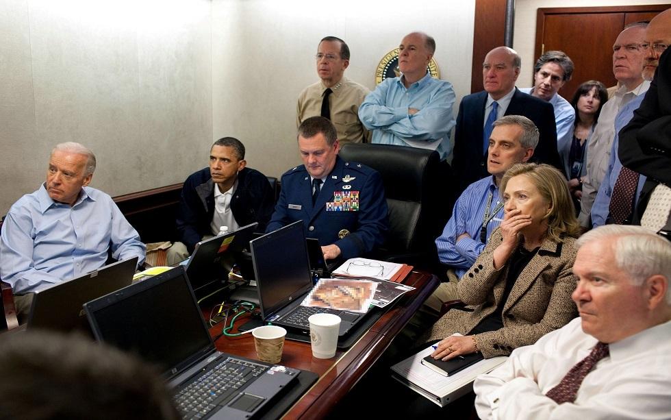 الرئيس الأمريكي جو بايدن في غرفة العمليات ليلة الإغارة على أسامة بن لادن