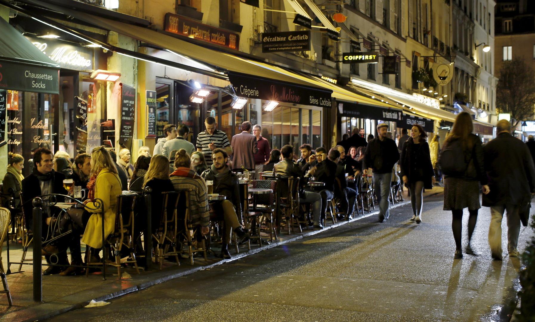 فرنسا تقوم بأولى خطوات رفع الإجراءات المتعلقة بحرية التنقل بين المدن