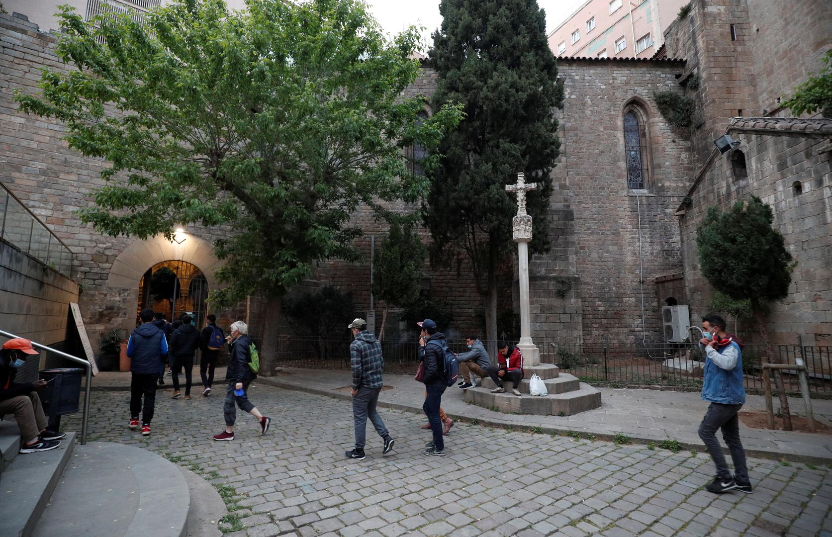كنيسة كاثوليكية في برشلونة تفتح أبوابها أمام المسلمين لتناول الإفطار والصلاة خلال رمضان