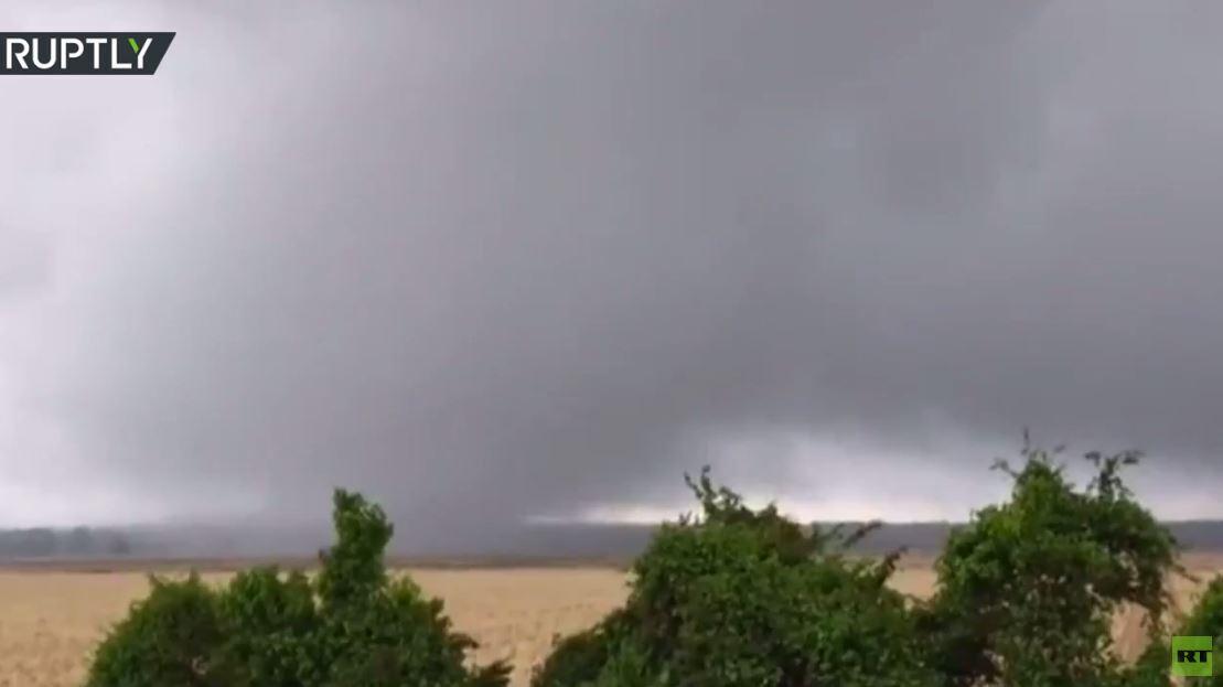 مشاهد لإعصار ضرب ولاية مسيسيبي الأمريكية