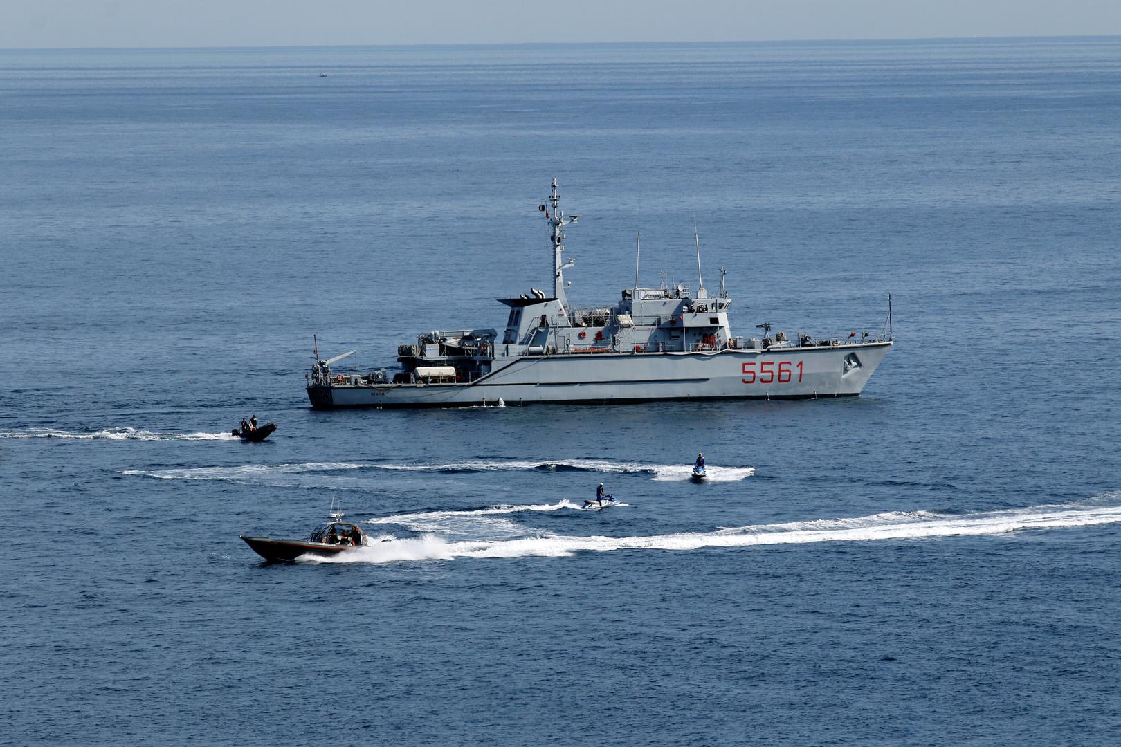 البحرية الإيطالية تعلن عن تدخلها لتجنب اعتراض زورق ليبي لقوارب صيد إيطالية