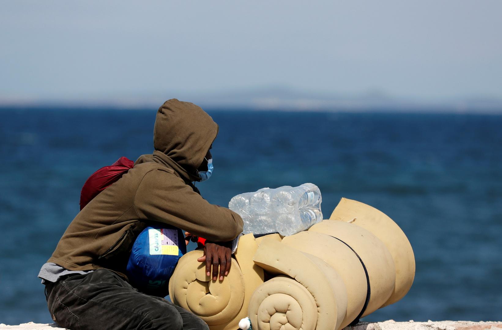 مفوضية شؤون اللاجئين: أكثر من 700 مهاجر أعيدوا إلى ليبيا مؤخرا