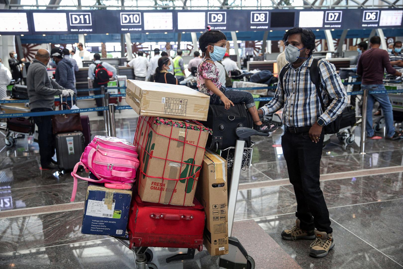 سلطنة عمان تعلن تمديد تعليق دخول القادمين إليها من 14 دولة حتى إشعار آخر