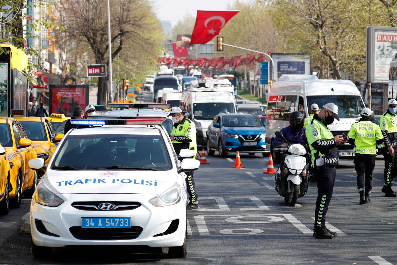 تركيا: الإعلان عن إجراءات جديدة خلال حظر التجول.. منها منع بيع الكحول!