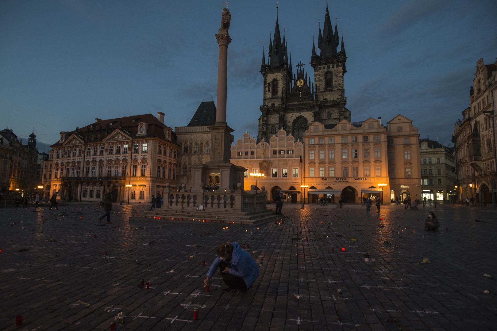 نائب رئيس وزراء التشيك ينفي الأنباء عن