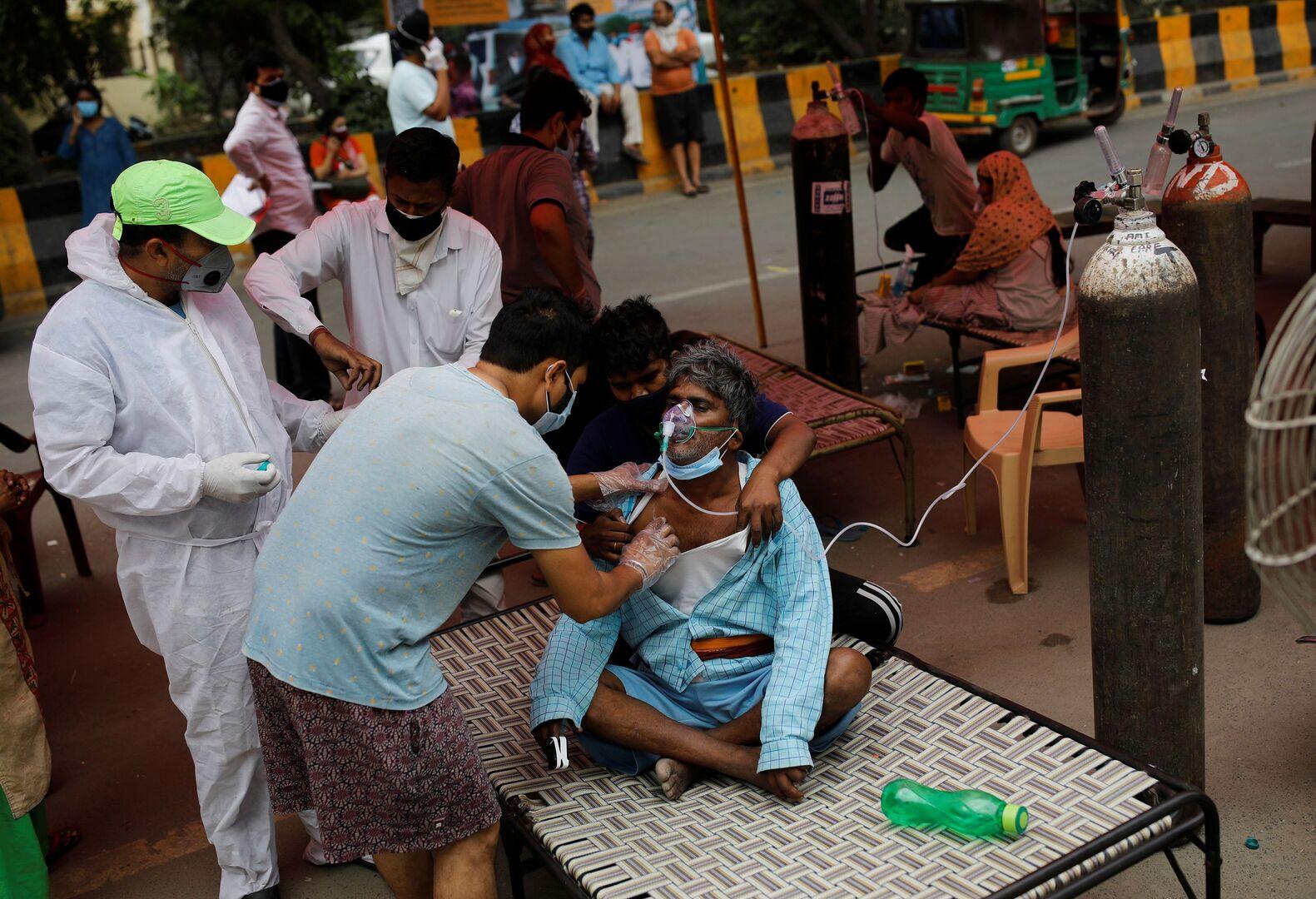 تقرير: نقص اللقاحات يضر بجهود الهند لاحتواء تفشي جائحة كورونا