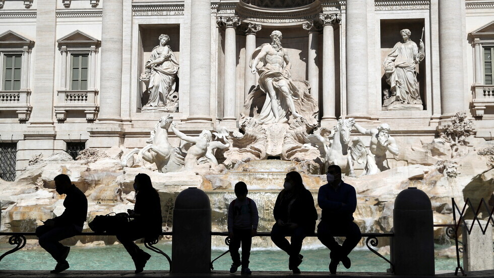 إيطاليا تسجل 9116 إصابة و305 وفيات جديدة بكورونا