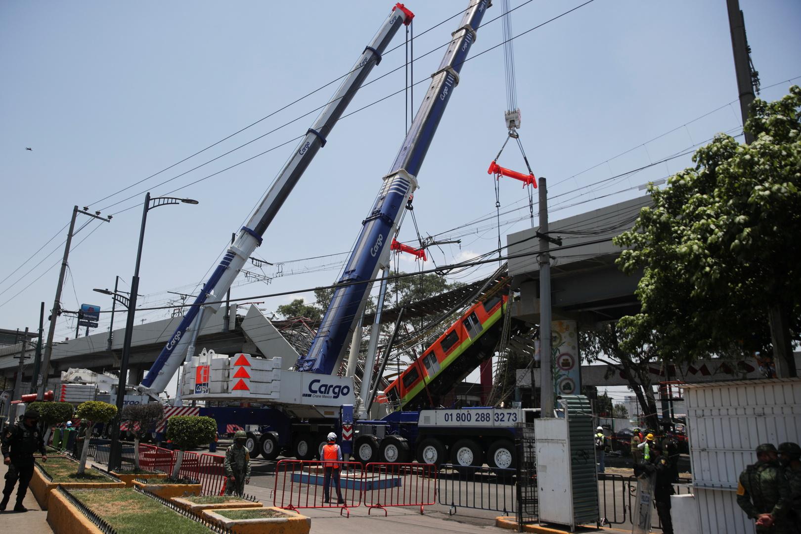 ارتفاع حصيلة ضحايا انهيار الجسر في مكسيكو إلى 24 قتيلا