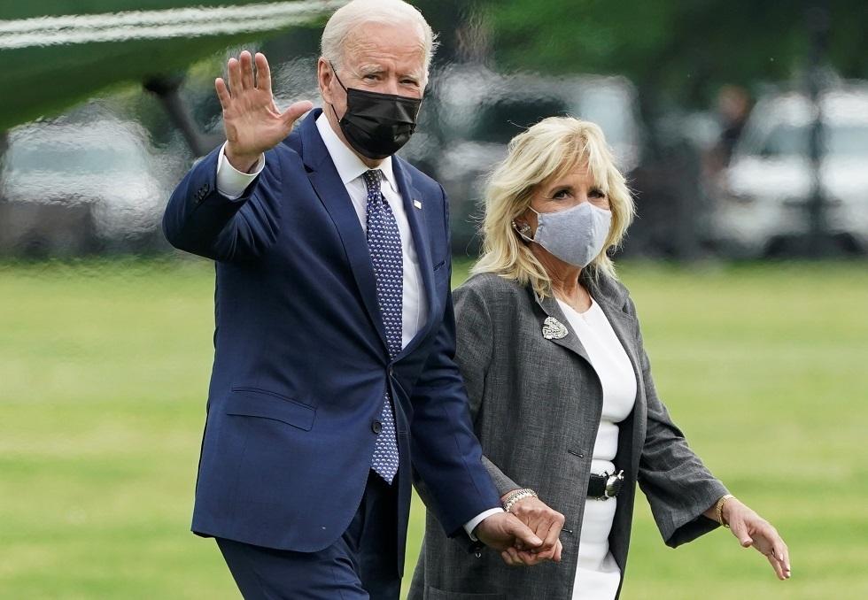 البيت الأبيض ينشر صورة لبايدن وزوجته خلال زيارتهما لمنزل رئيس أمريكي أسبق