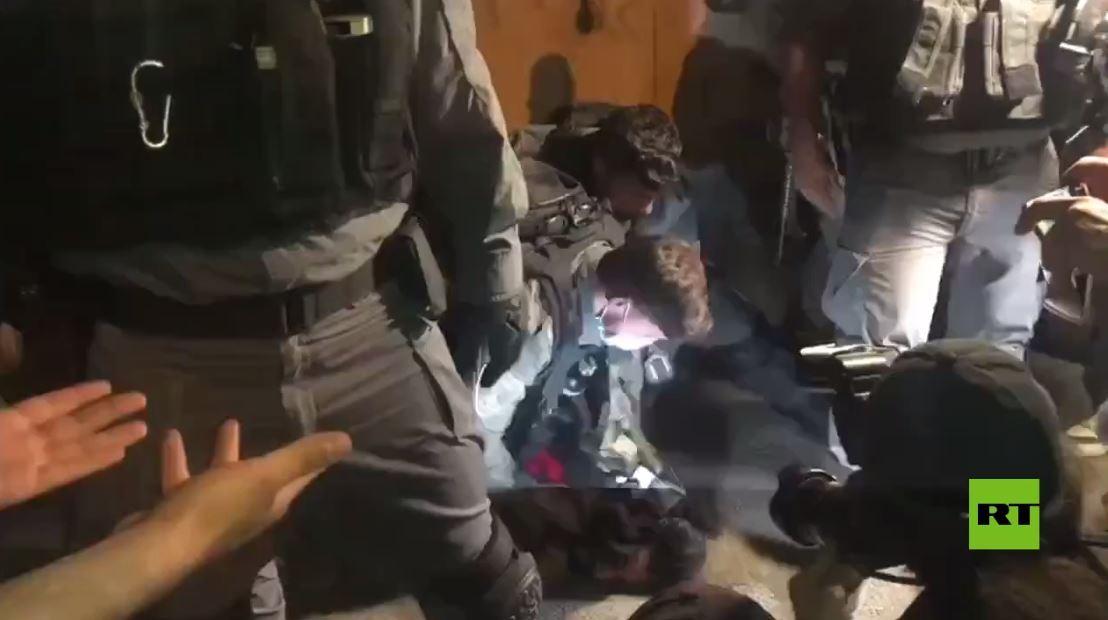 مواجهات واعتقالات في حي الشيخ جراح في القدس
