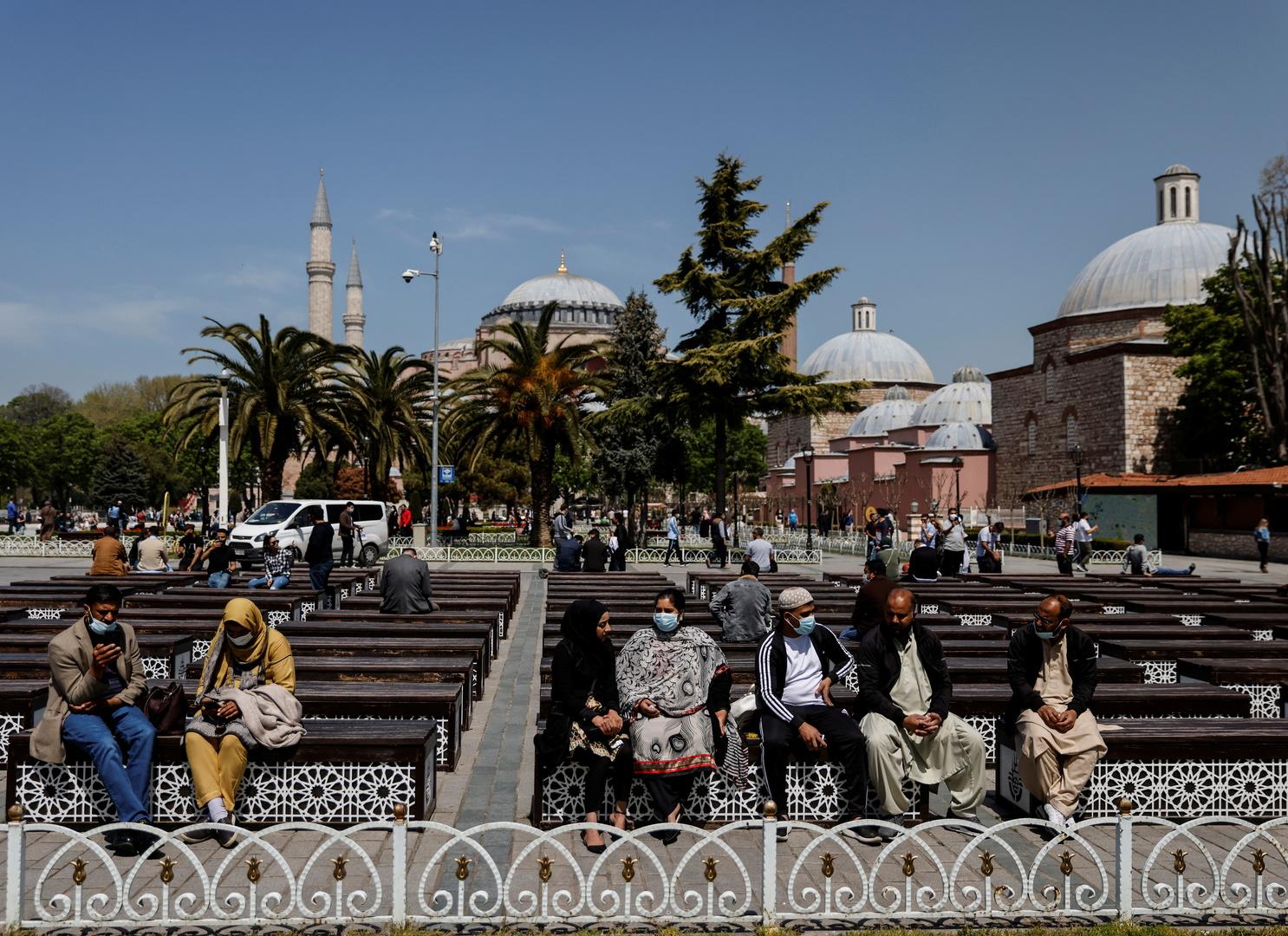 تركيا ترصد 356 وفاة جديدة بكورونا والسلطات تعلن عن انخفاض ملحوظ للإصابات