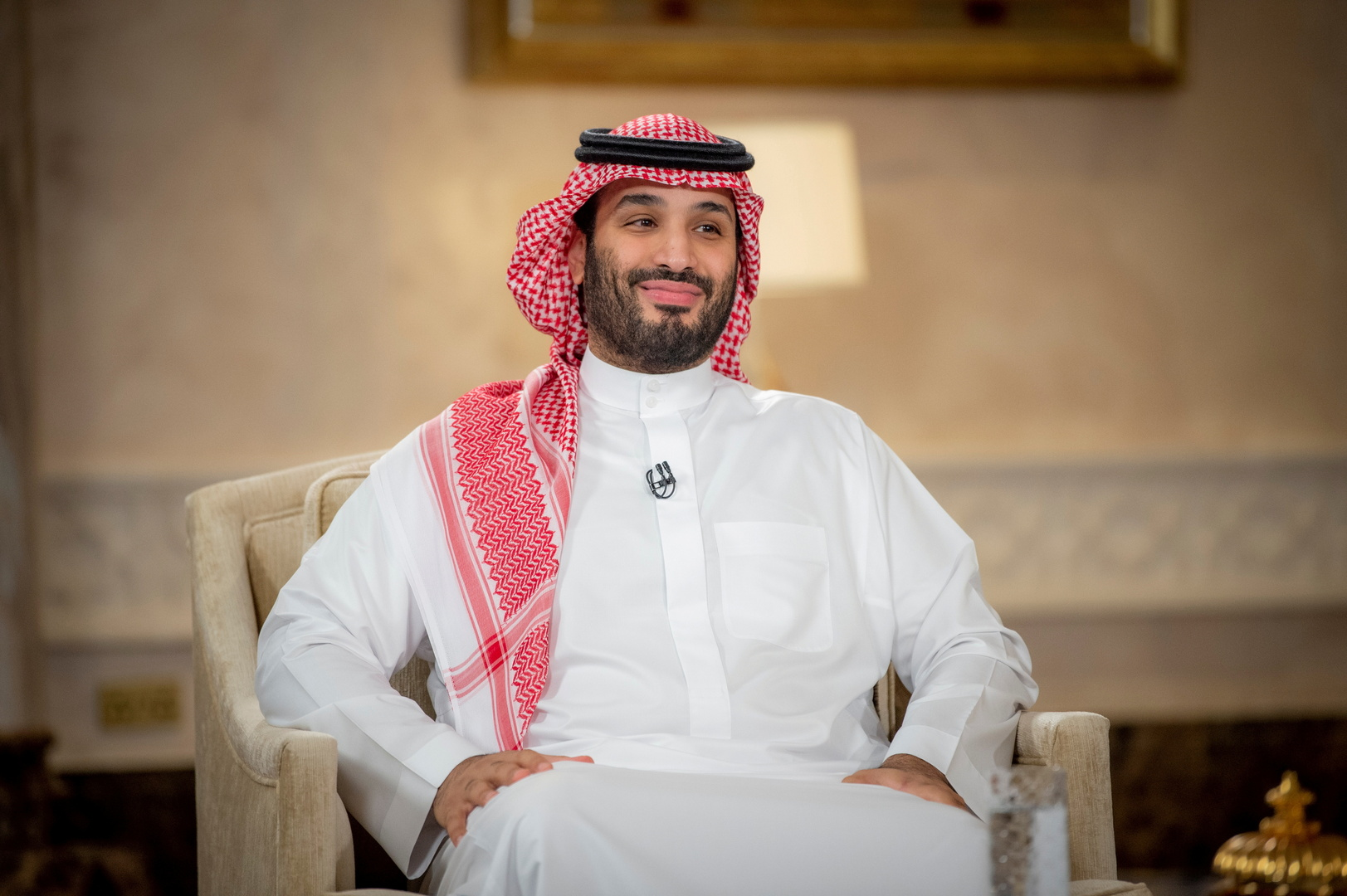 ولي العهد السعودي يوجه بصرف 100 مليون ريال لجمعيات خيرية وسداد ديون سجناء