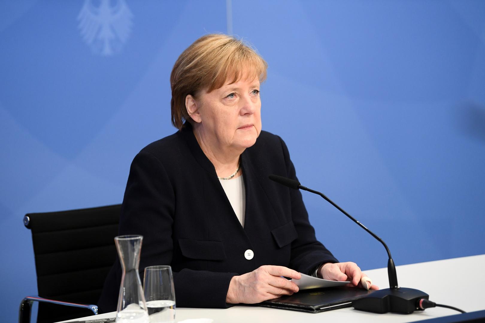 استطلاع: ميركل تبقى أكثر الساسة شعبية في ألمانيا