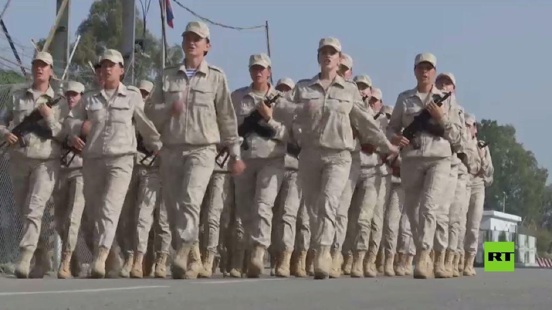 شاهد.. استعداد العسكريات الروسيات لعرض النصر بقاعدة حميميم