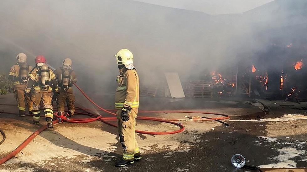 إيران.. احتواء حريق كبير عند مدخل مدينة بوشهر