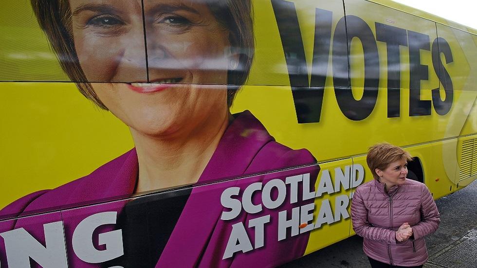 نيكولا ستورجون، الوزيرة الأولى لاسكتلندا وزعيمة الحزب الوطني الاسكتلندي