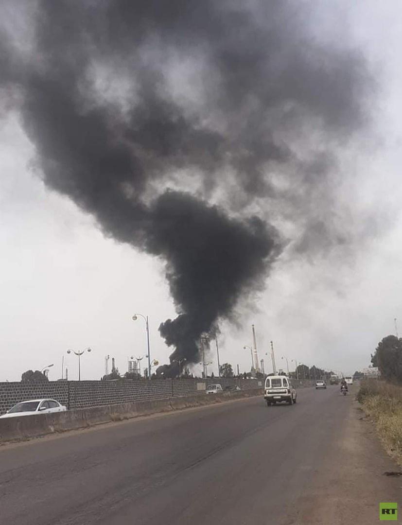صورة للدخان المتصاعد من مصفاة حمص جراء الحريق