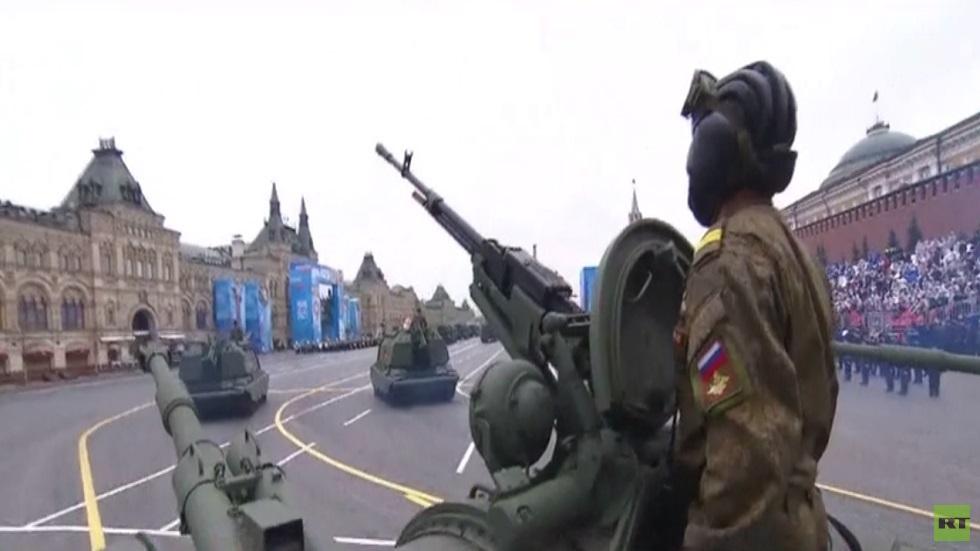200 آلية عسكرية تشارك بالعرض العسكري