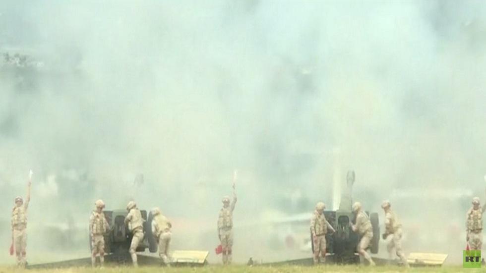 عرض عسكري في قاعدة حميميم الروسية