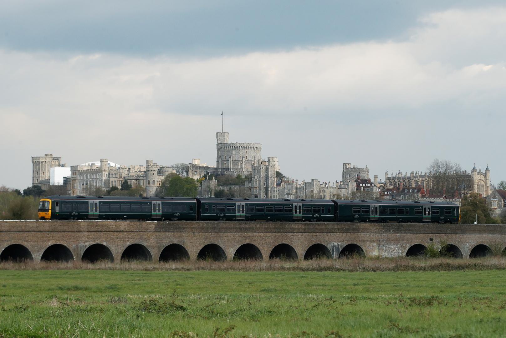 بريطانيا.. سحب بعض قطارات