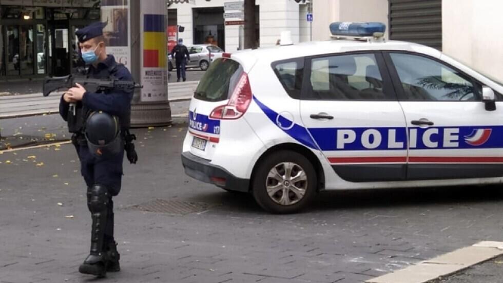 فرنسا.. مقتل امرأة برصاص الشرطة بعد طعنها رجل أمن