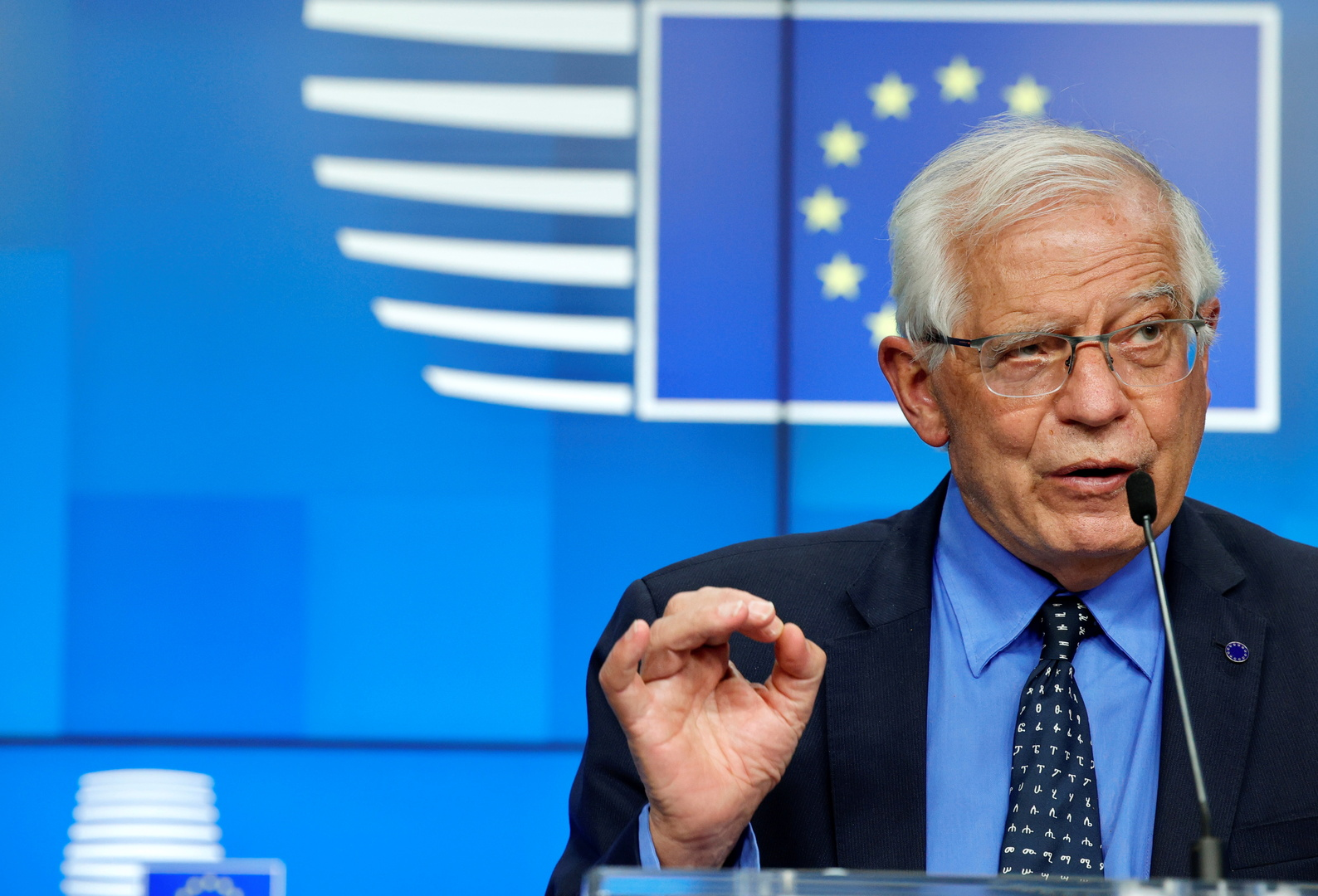 """الاتحاد الأوروبي: نعتمد سياسة """"العصا والجزرة"""" في لبنان"""