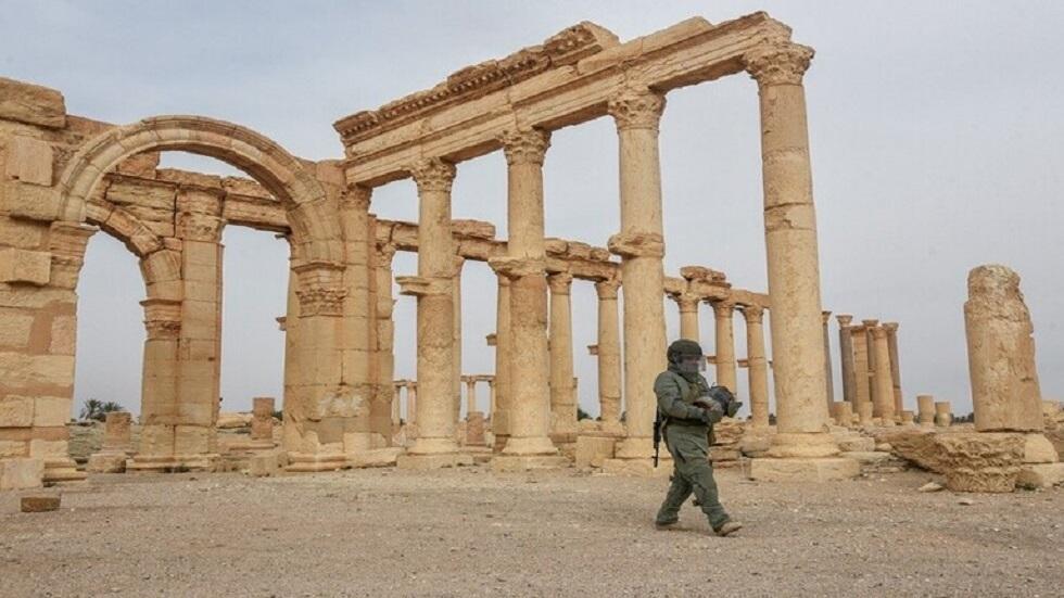 خبير ألغام روسي في مدينة تدمر السورية - أرشيف
