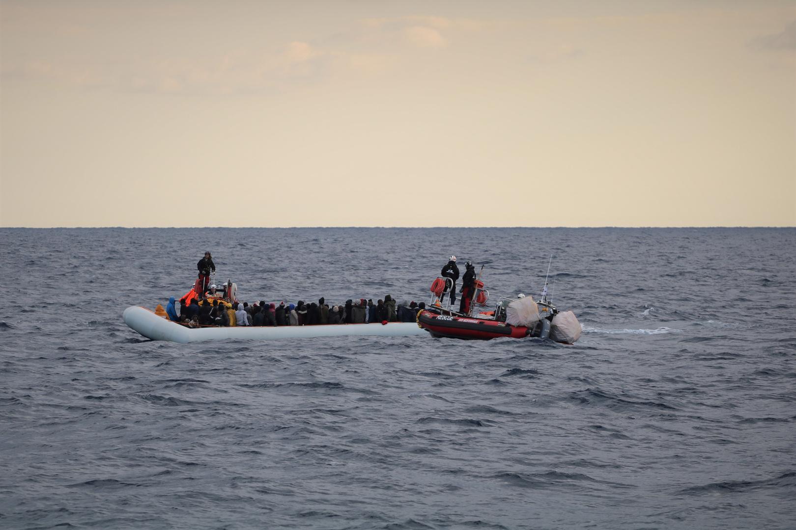 ليبيا.. إنقاذ 143 مهاجرا غير شرعي من جنسيات مختلفة في عرض البحر