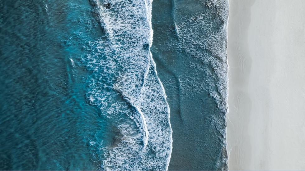 مصوّر هاو يلتقط صورة مذهلة لشواطئ