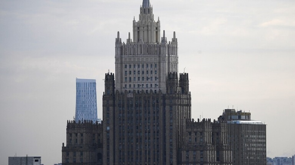 في خطوة جوابية.. روسيا تطرد دبلوماسيا رومانيا