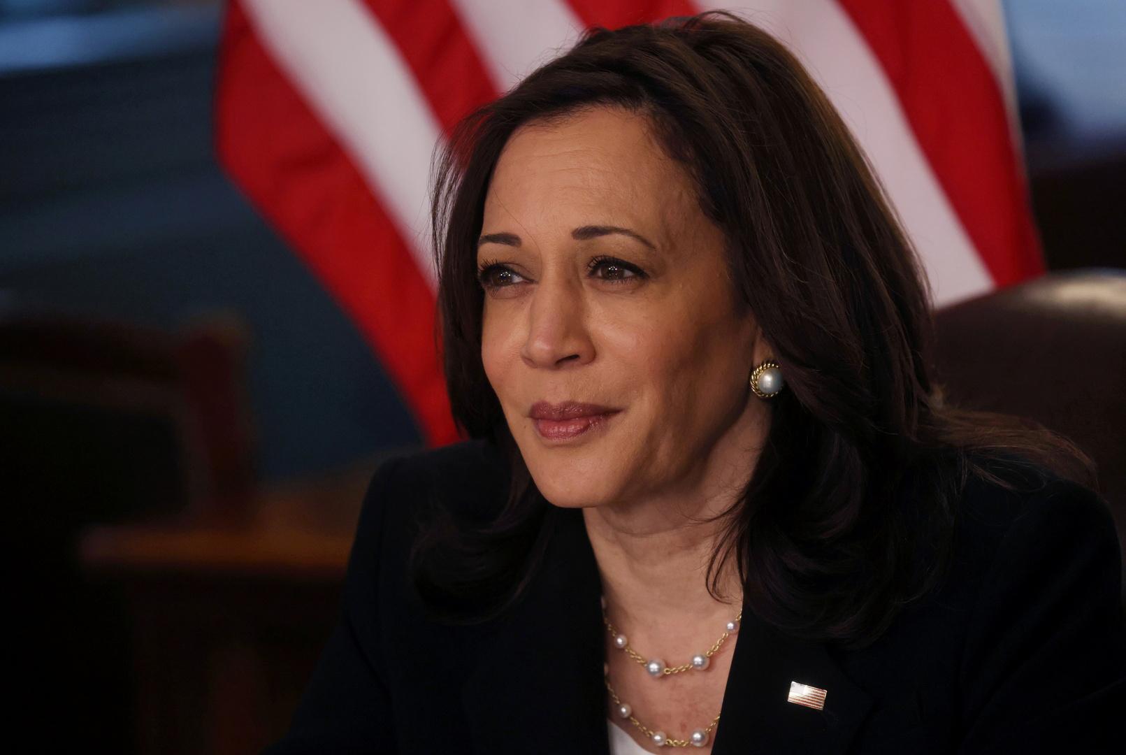 نائبة الرئيس الأمريكي تتصل بالرئيس التونسي