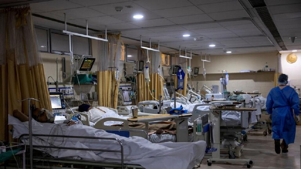 مرضى بفيروس كورونا في مستشفى بنيودلهي - أرشيف