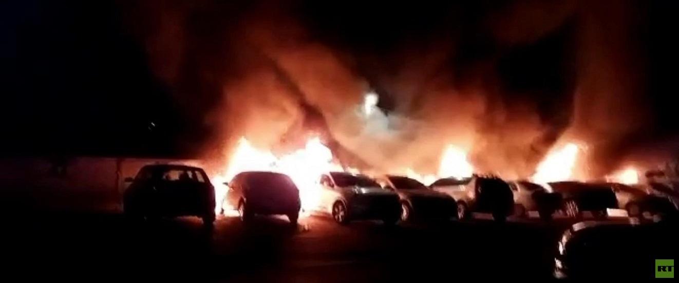 المواجهات تتجدد في مدن الداخل.. إحراق سيارات ومطعم.. وعمدة مدينة اللد يطلب التدخل السريع