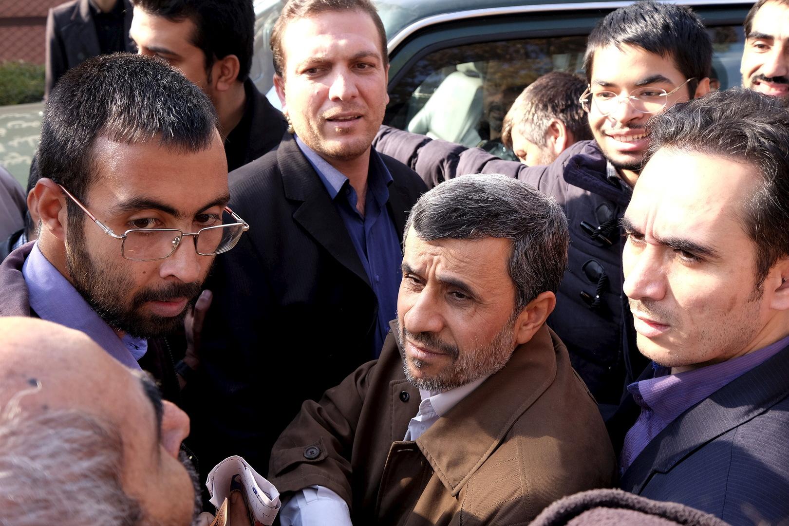 أحمدي نجاد يترشح مجددا في انتخابات الرئاسة الإيرانية