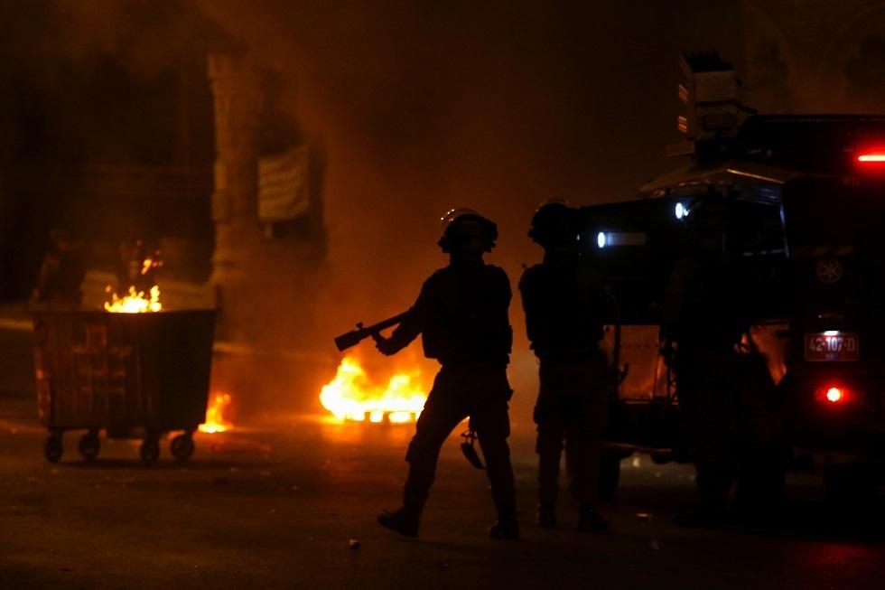 مواجهات في حيفا والقوات الإسرائيلية تعتدي على الفلسطينيين في شوارع المدينة (فيديو)