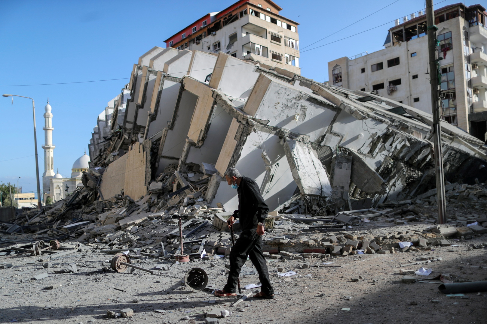داخلية غزة: الطائرات الإسرائيلية تدمر مقر الأمن الداخلي في خان يونس