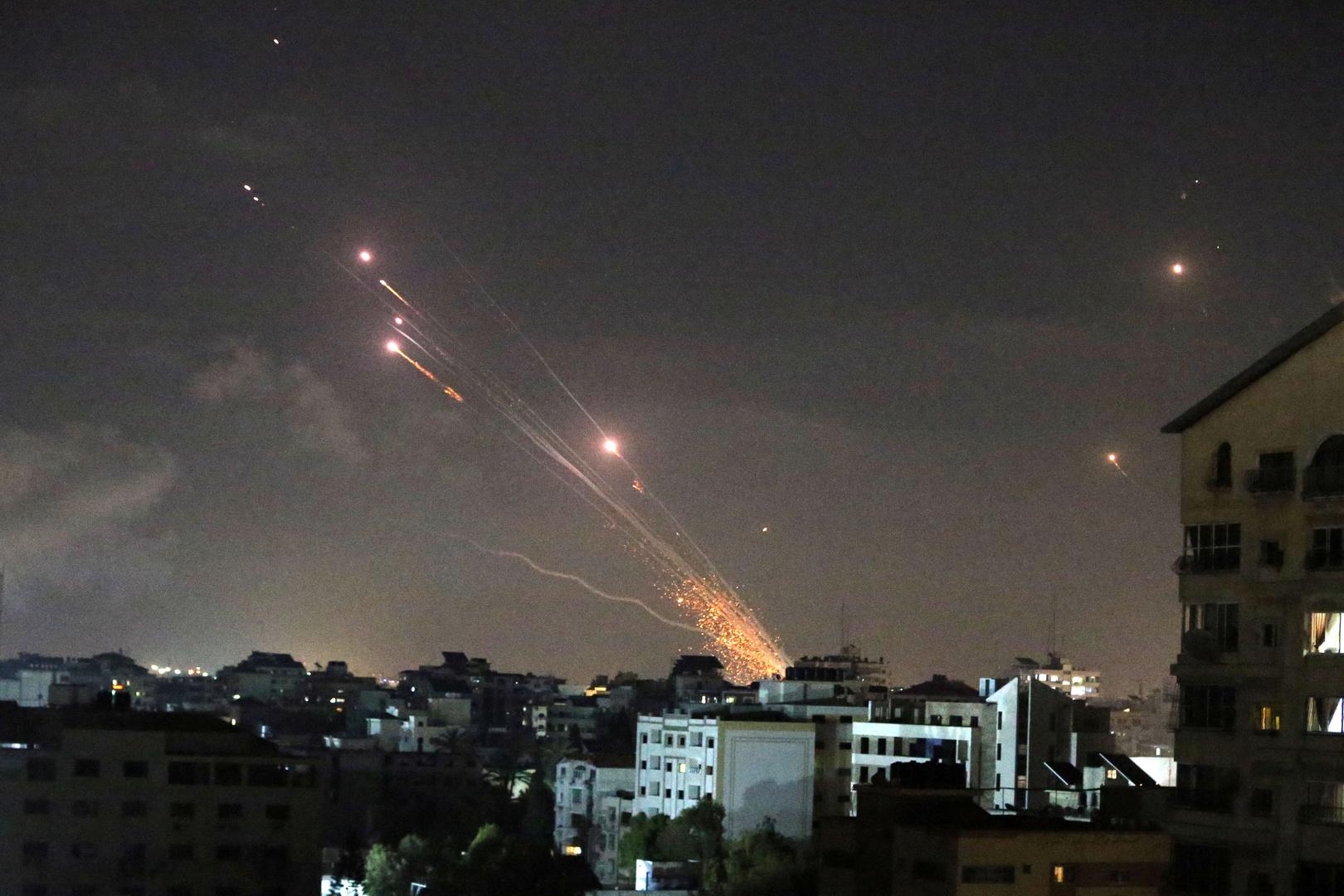 بريطانيا تدعو لوقف الهجمات الصاروخية على إسرائيل