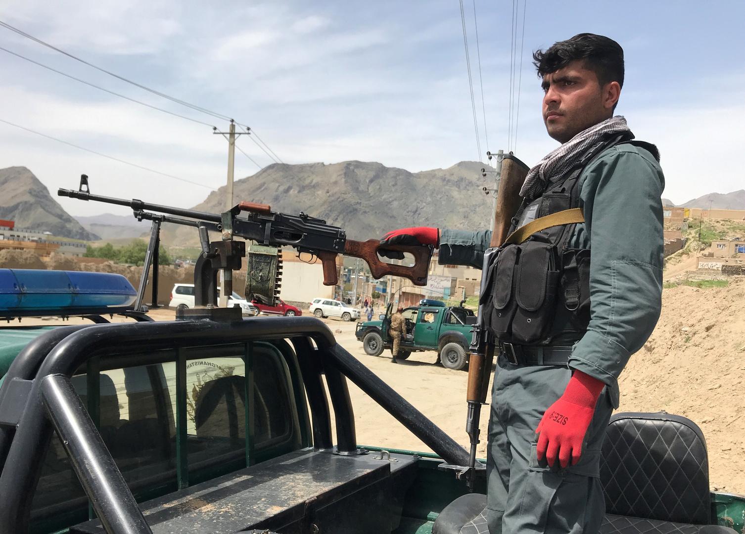 الشرطة الأفغانية: مقتل 12 مصليا بتفجير داخل مسجد في كابل