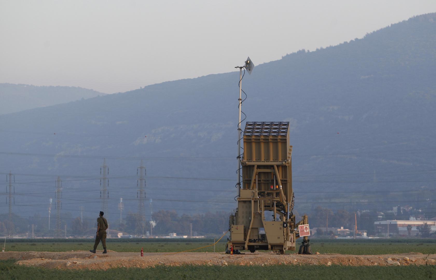 """منصة تابعة لنظام """"القبة الحديدية"""" للدفاع الجوي في إسرائيل."""