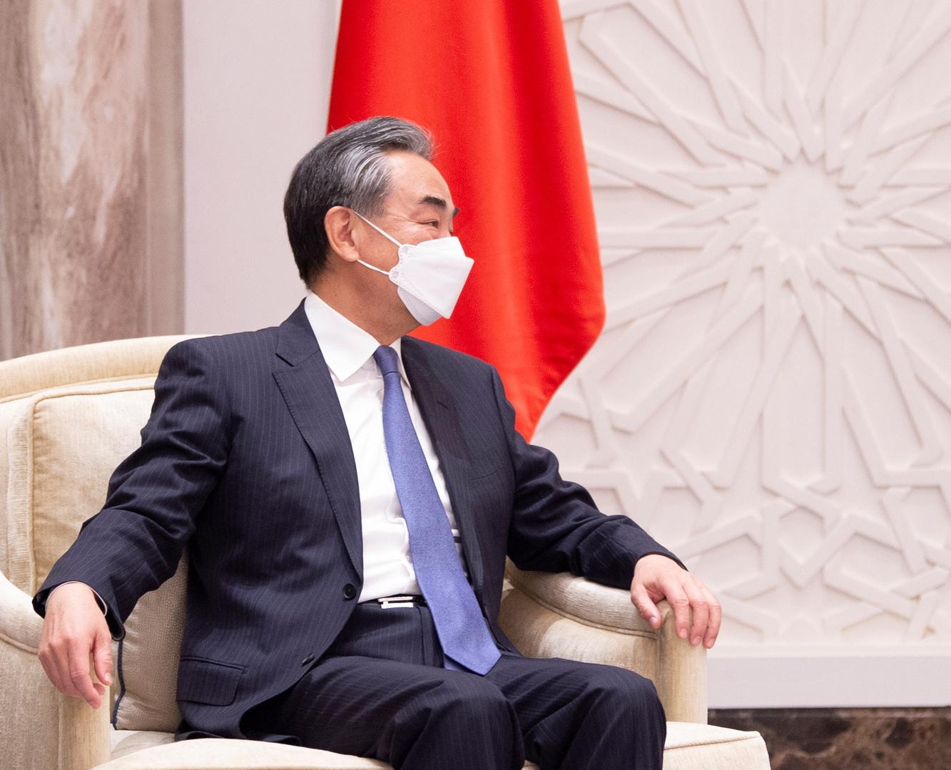 الصين: الأمم المتحدة قادرة على ضمان السلام في أفغانستان بعد الانسحاب الأمريكي منها