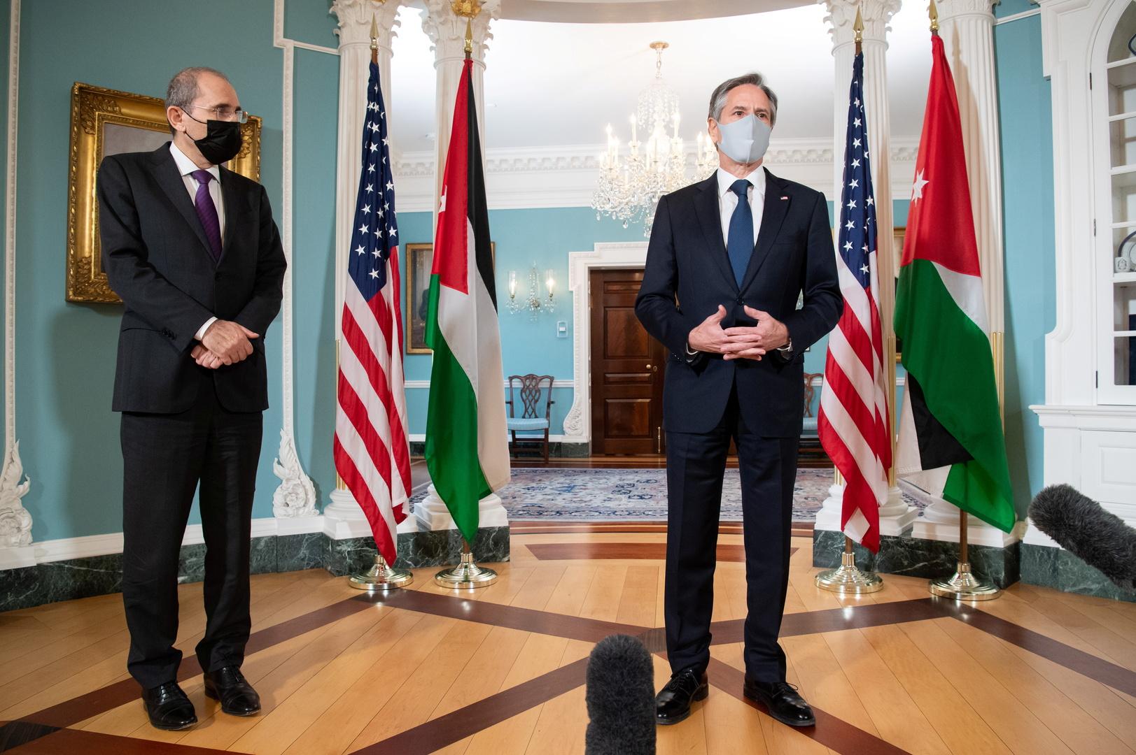 وزير الخارجية الأمريكي، أنتوني بلينكن، ونظيره الأردني، أيمن الصفدي.