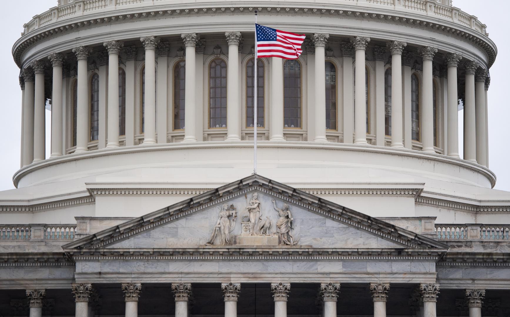 مجلس الشيوخ الأمريكي يدعم مناقشة قانون لمنافسة الصين تكنولوجيا