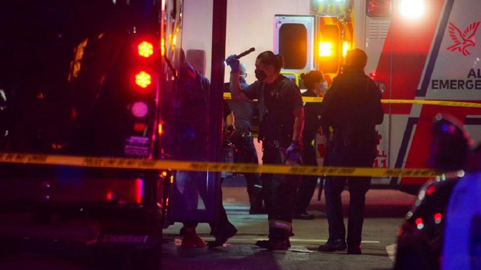 مقتل امرأتين وإصابة 5 أخريات بهجوم على حافلة ركاب في ولاية كاليفورنيا الأمريكية