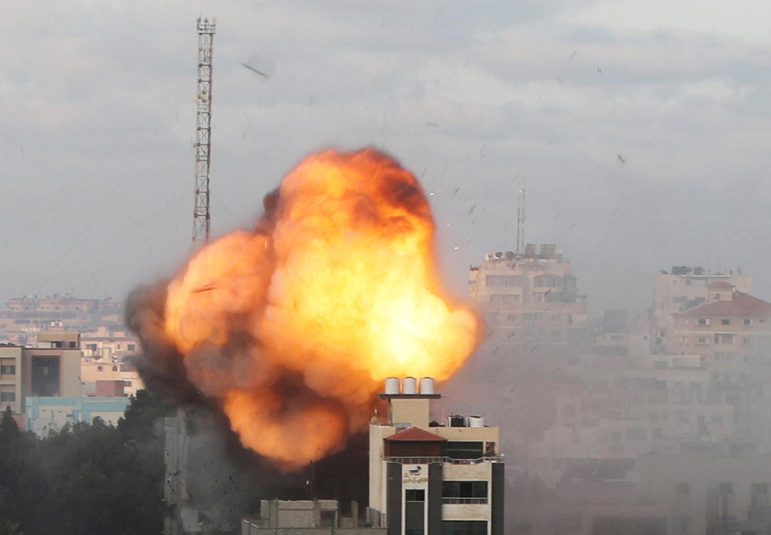 الجيش الإسرائيلي: 52 مقاتلةنفذت 120 غارة على مواقع في قطاع غزة خلال 25 دقيقة