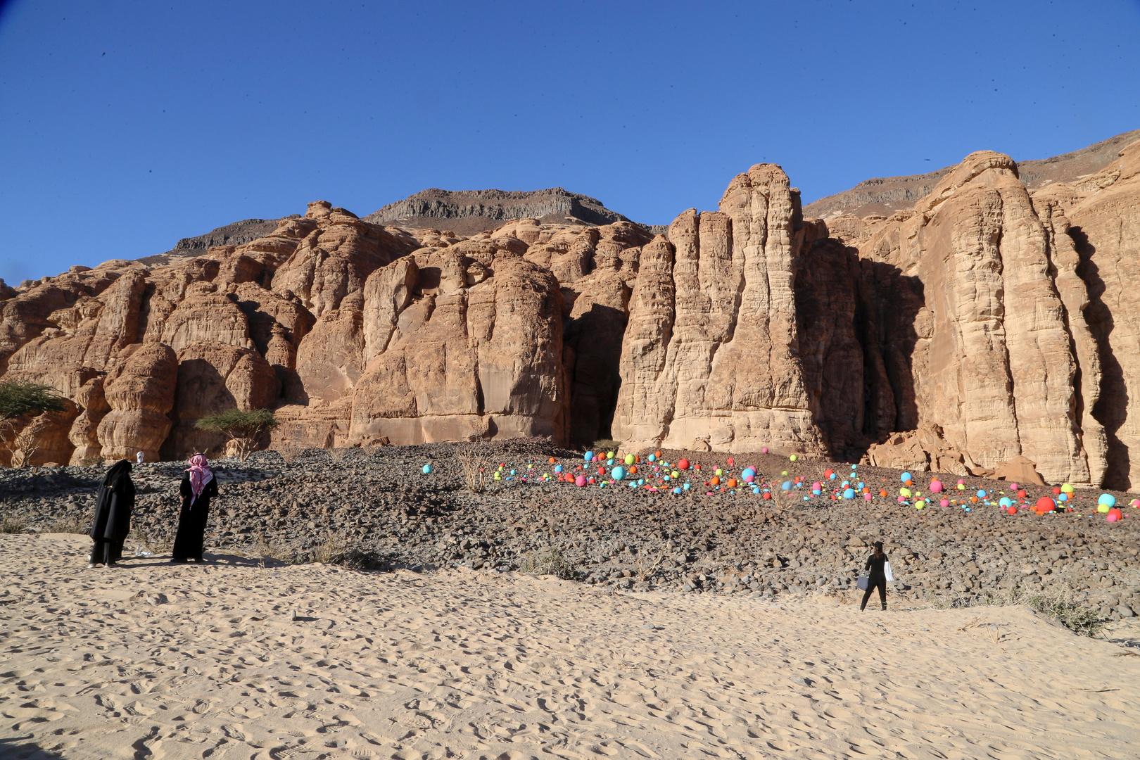 السعودية.. مجموعة أثرية دولية تكتشف قطعا أثرية عمرها 350  ألف عام