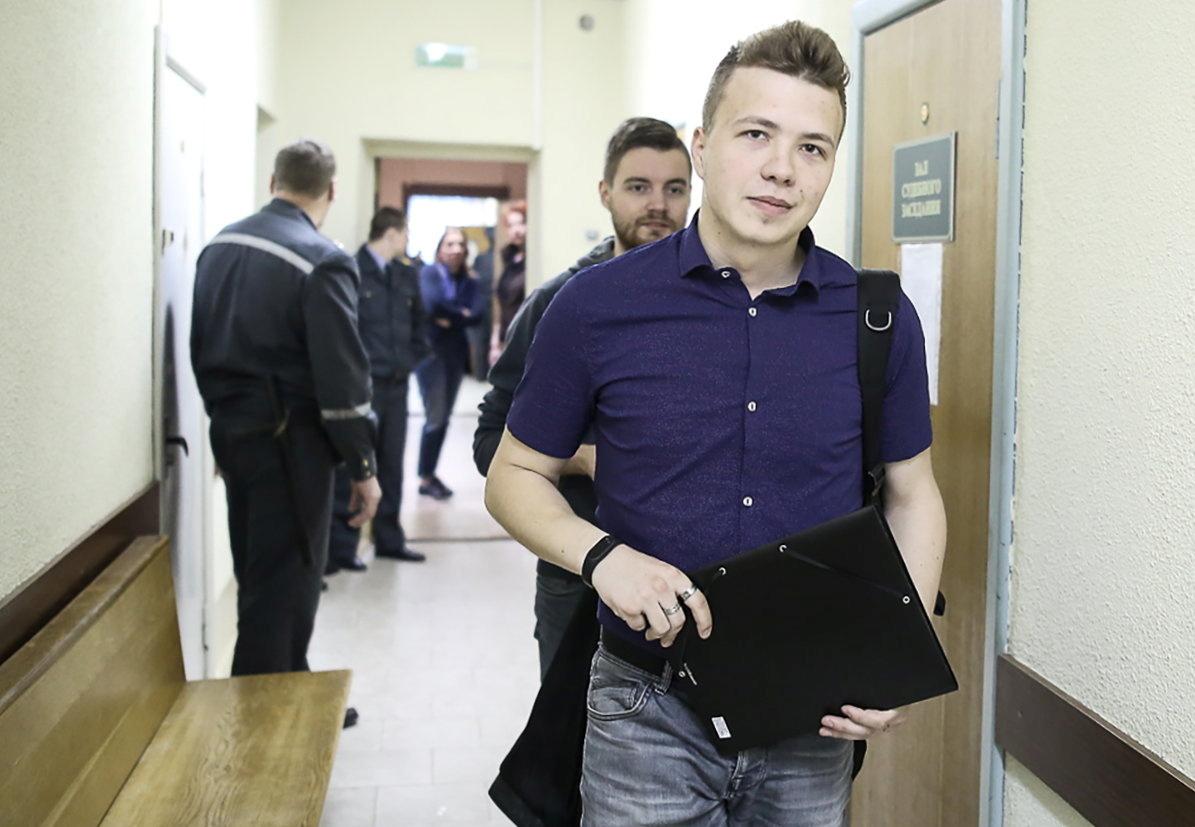 قوى أوروبية تحتج على اعتقال ناشط بيلاروسي معارض عقب هبوط طائرته اضطراريا في مينسك